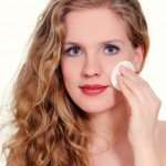 How To Stop Oily Skin Naturally