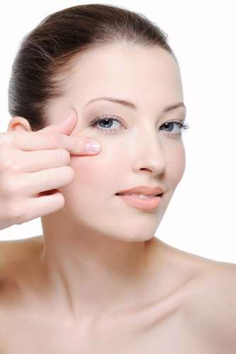 Treatment For Under Eye Wrinkles By Natural