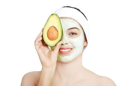 How To Make Avocado Honey Face Mask
