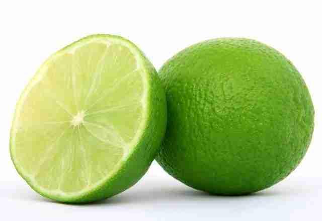 Homemade Lemon Hair Rinse For Oily Scalp