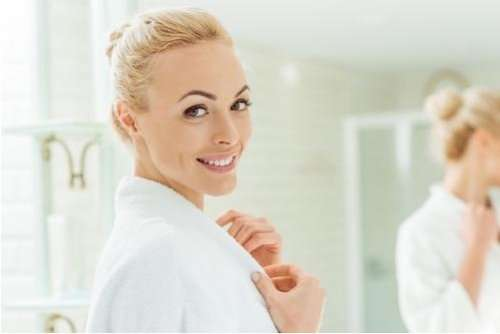 https://naturalbeautytips.co/how-to-apply-moisturizer-correctly/