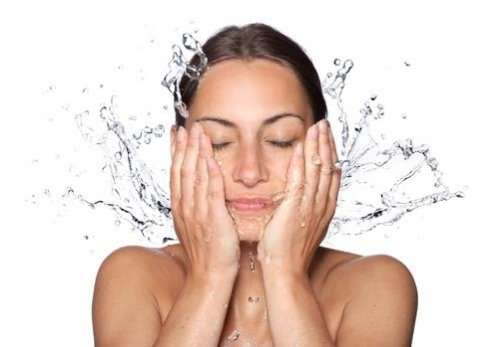 How To Wash Oily Face Properly - Steps & Tipss