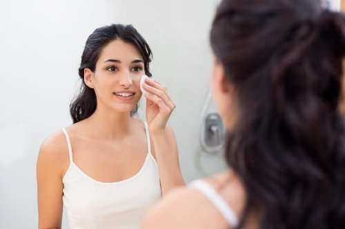 Why to remove makeup at night